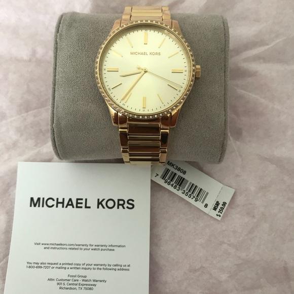 0335e1dc2ff8 💥SALE💥 Michael Kors Gold Tone Watch